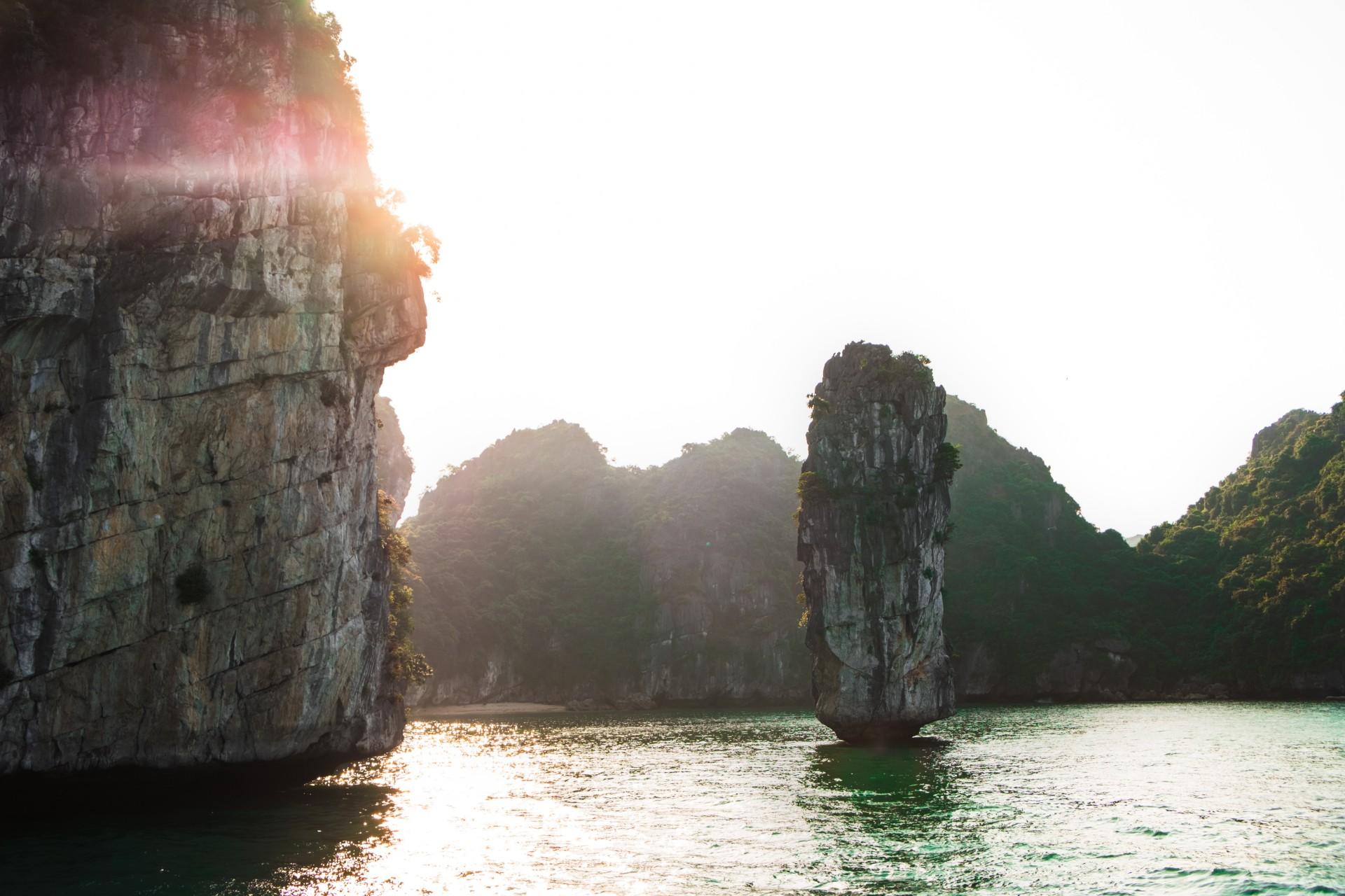 Ha Long Bay - Photo byJo JoonUnsplash