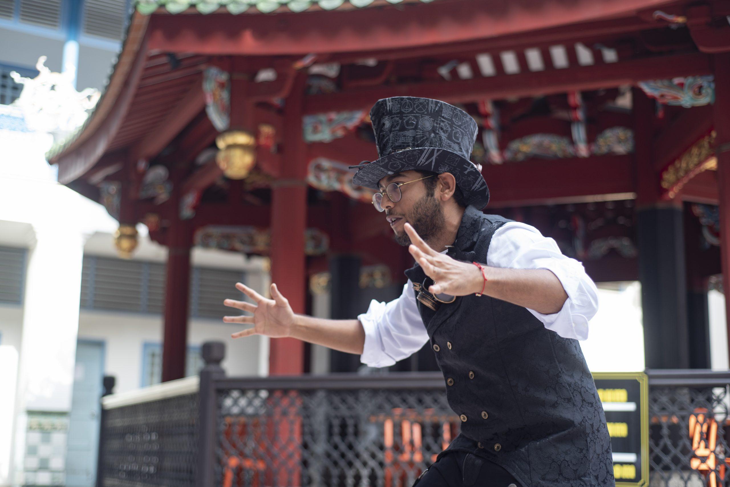 Chinatown temple street performance