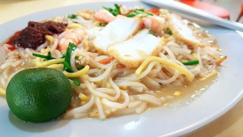 Singapore-style Hokkien Mee Fried Prawn Noodles