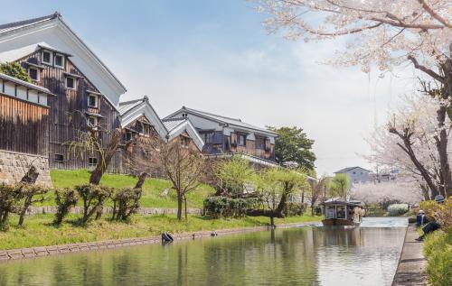 Kyoto,,Japan,-,March,27,2018:,Jikkokubune,Boat,With,Tourists