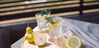 autumn,pear,Cocktails,With,Fresh,Fruit,On,Wooden,Table,On,The
